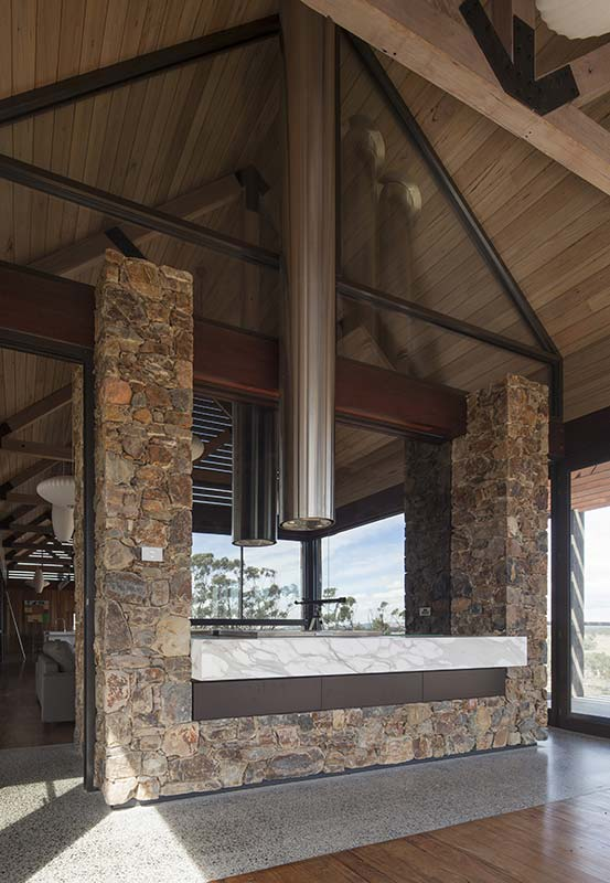 tallarook-house-16_stone-joinery_553x800